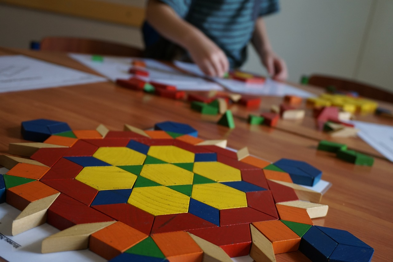 Top 3 Interactive Shape Games for Kindergarten